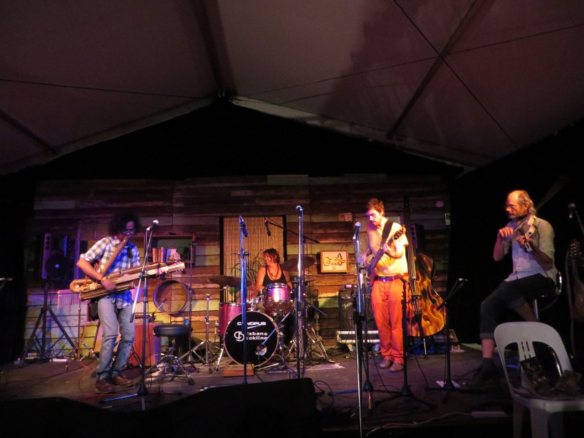 Rizal & Rasendriya Ft. Andrew Clermoth at woodford folk festival